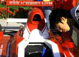 ...文化节 方程式赛车受到热捧