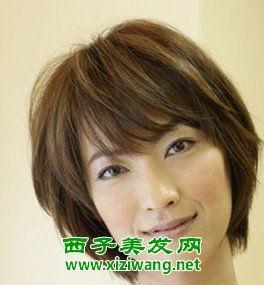 40岁女人短发发型 中年妇女气质短发当用刘海把这位女士的脸形加以...