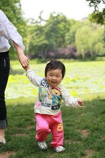 """于是小柔的镜头里,总有妈妈的一... 柔爸看了给我更正是""""爱死小小白..."""