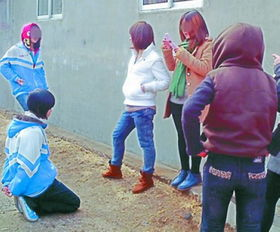 女生帮男生噜管的照片_女孩帮男孩吹管子_女孩强上男孩图_女孩出液体动态图-梨子网