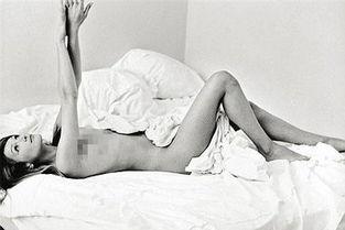 ...再陷 艳照门 床上裸照将被公开拍卖