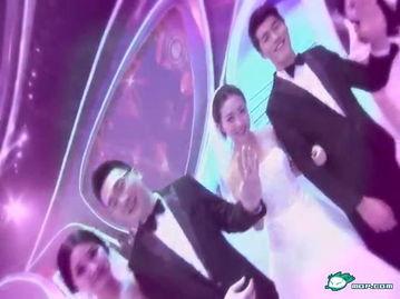 百香果柠檬蜜鸣人vs佩恩-对新人手挽手站在了舞台上!最浪漫的是,这些新人出场时还忍不住各...