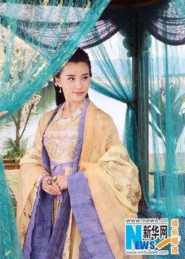 """...日,在剧中饰演小仙女""""轻水""""的人气新星鲍天琦在微博里公布了一..."""