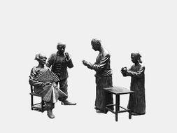 天津街头说书人雕塑.资料图片-最是乡音解乡愁