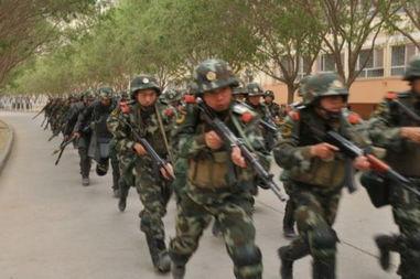 武警军人训练图片图片大全 图片来源 人民武警报 刻苦训练