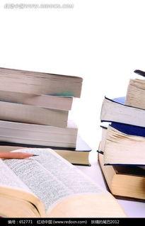 两摞书和一本翻开的书图片免费下载 编号652771 红动网