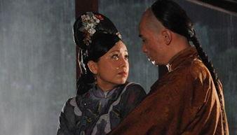 怨孽校园-2004年,由佘诗曼、黎姿及邓萃雯等主演的《金枝欲孽》呈现后宫女人...