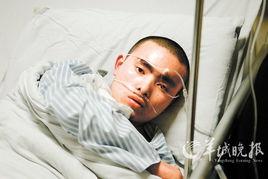 无料工口av xvideos-9日,记者走进广州市第十二人民医院8楼,见到本文的主人公陈锡隆....