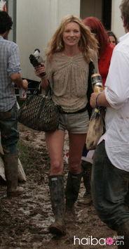 猎人靴 帅哥型女脚上焦点
