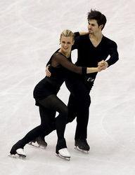 胡贝尔自信笑容2012年花样滑冰世锦赛决出冰舞金牌,加拿大的冬奥冠...