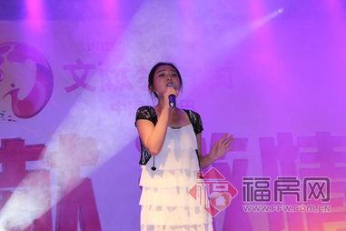 ...献步行街 红动五月 激情青春 青春歌舞汇演