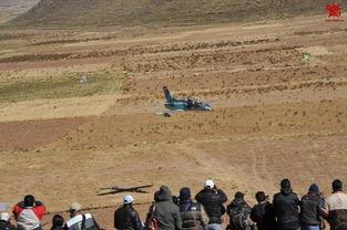 ...坦共同开发,由南飞公司设计制造的一种基础高级喷气教练机.图...