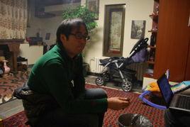 与凤凰美女记者胡玲用智慧吃火锅