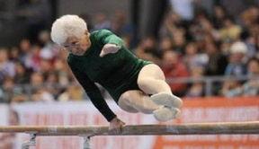 ...6岁老太参加体操比赛 2012年3月,德国萨克森自由州一位86岁高龄...