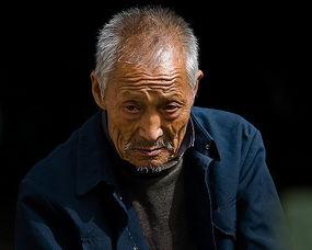 表情 描写人的外貌神态的成语 描写人物外貌神态的成语 表情