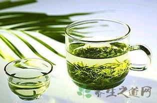 喝绿茶的好处和坏处是什么 2