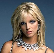 幅报道这位女星十六日晚间顶着大光头到加州一家刺青店的新闻.