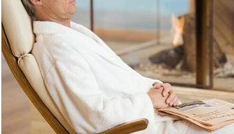 老头和老头睡觉-老人睡眠过多有哪些危害呢