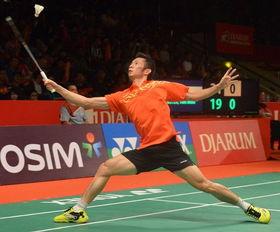 在2013印尼羽毛球公开赛预赛第二轮比赛中,杜鹏宇以2比0战胜越南...
