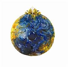 蓝珀因具有极高收藏价值并价格暴... 它来自于3000万年前的豆科类植物...