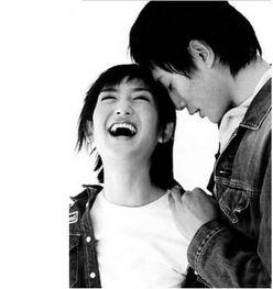 刘烨夫妇全家参加尼斯狂欢节 传授幸福婚姻秘技