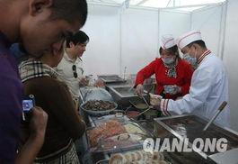 小吃摊刚开张就顾客盈门-数十家北京老字号小吃齐聚奥林匹克公园