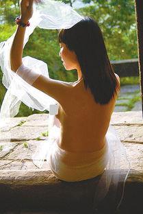 重庆离婚少妇拍人体艺术写真重拾自信