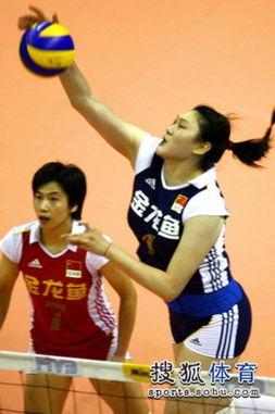 2010年女排亚洲杯继续进行,中国队将在半决赛中迎战日本女排,图为...