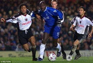 ...1次世界足球先生,被誉为非洲足坛史上最成功的球员,但在2000年1...