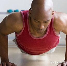 徒手练背部肌肉的方法 6个小妙招轻松练背部肌肉