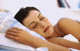 睡眠养生 研究称睡姿不对会变老