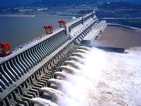 中国三峡大坝是谁同意建的,长江三峡大坝会被炸吗