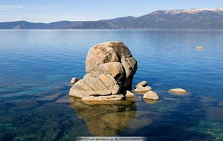 海边石头壁纸