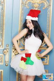 全亚洲最大色情网日本-2013年12月24日讯,北京,柳岩拍摄一辑两套圣诞主题写真,其中一...