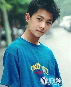 杨洋小时候照片大全 杨洋的童年照 13