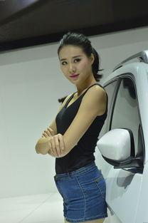 JEEP展台性感美女车模-告别 胸展 拼气质 长沙车展美女车模大赏