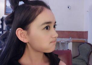 表情 蒋依依晒表情包6连拍自拍自夸自得其乐 娱乐频道 中华网 表情