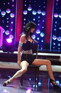 美女大尺度热舞-最佳身材美女做客 让梦想飞 舞台挑战林志玲