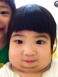 人人玩乡下小骚逼-据凤凰娱乐报道,8月19日,曹格在微博晒出一张Grace姐姐的照片,...