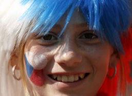 捷克VS加纳 捷克女球迷甜蜜的微笑