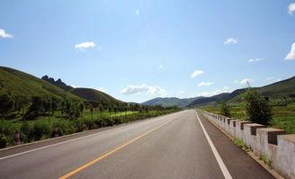 昌赤路,骑行的最佳路线,不仅风景优美,绿树成荫,更为著名的是连...