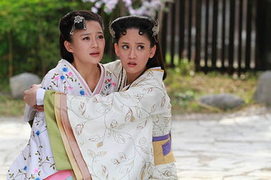 人人白人人碰人人插免费视频-王的女人,袁姗姗这次碰上了台湾演员陈乔恩,好歹也应该排第一了吧...