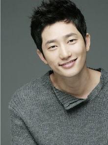 韩国男演员朴施厚-消息 满天丑闻丝毫不受影响心情正式回归