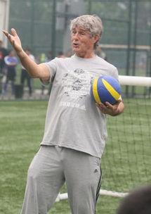 米卢加盟 中国足球梦 对国足现状深表遗憾