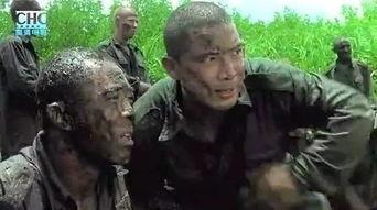 中国军人在 猎人学校 生吃鳄鱼 勋章钉进胸
