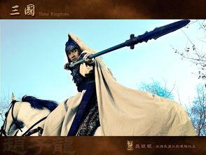异界保镖之龙中皇-赵云的枪则地道了很多,三国时期枪矛混搭,枪头远没有传统印象中那...