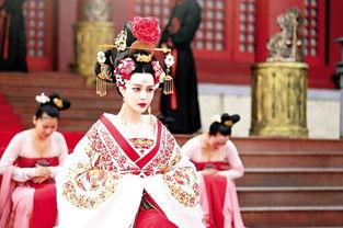 政时是刘太后,高滔滔执政时是太皇太后.她们拥有武则天、吕雉一样...