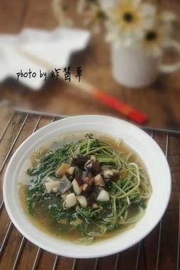 佬   027eat.com温馨提示:   绿豆苗易熟煮的时间不能太长,   这道菜...