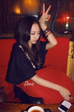 时尚女生QQ个性皮肤图片两张