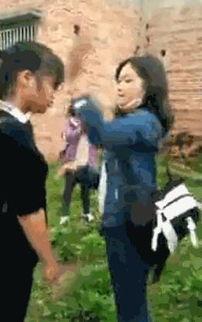 湖南数名女学生掌掴一女生100秒掌掴32次